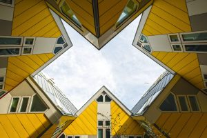 Wordt de woningmarkt op slot gezet door de stapeling van beleid?
